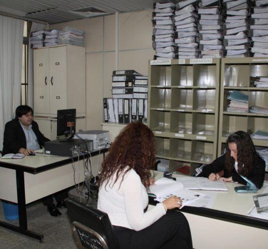 Oficina de atenci n permanente recibe gran cantidad de for Oficina de denuncias