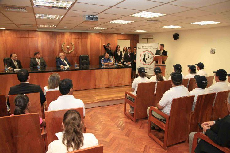 Facilitadores y ministerio del interior firman convenio for Foto del ministro del interior